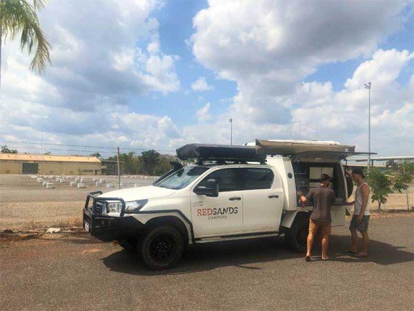 Red Sands 4WD-Geländewagen in Australien