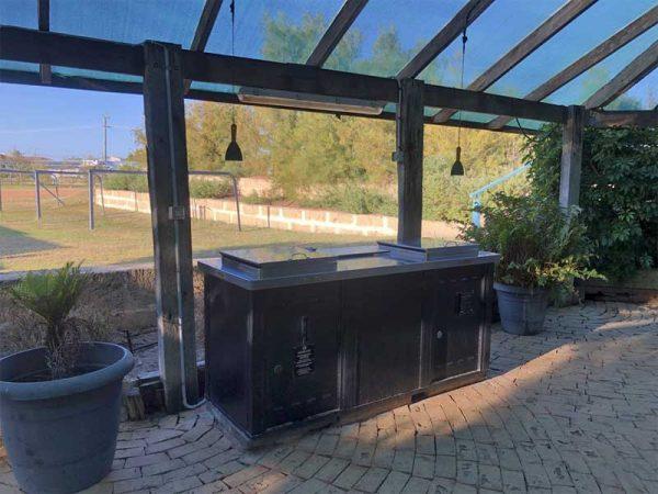 Barbecue-Station auf einem Campingplatz in Australien