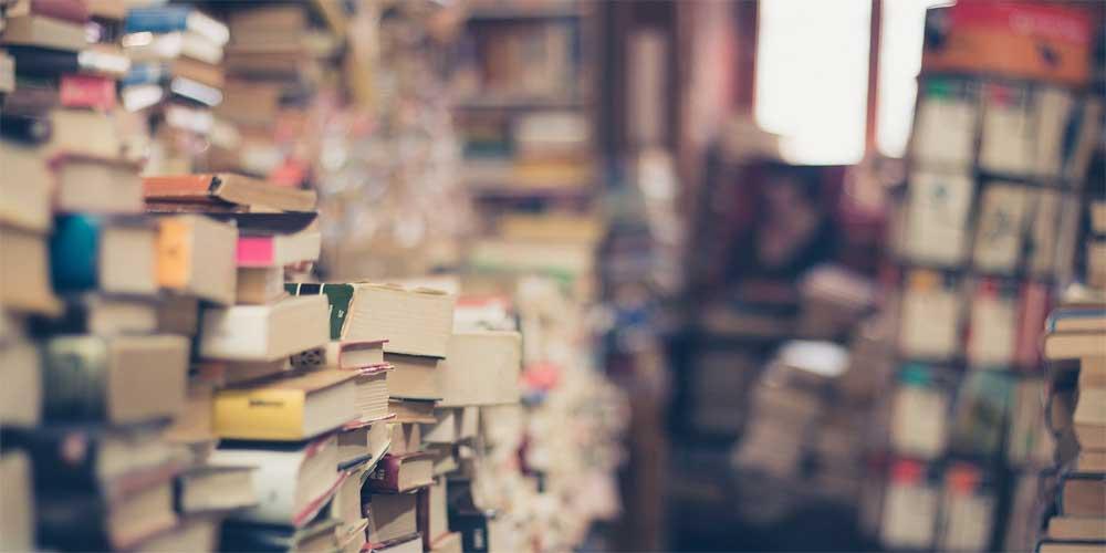 Bücher in einem Buchladen