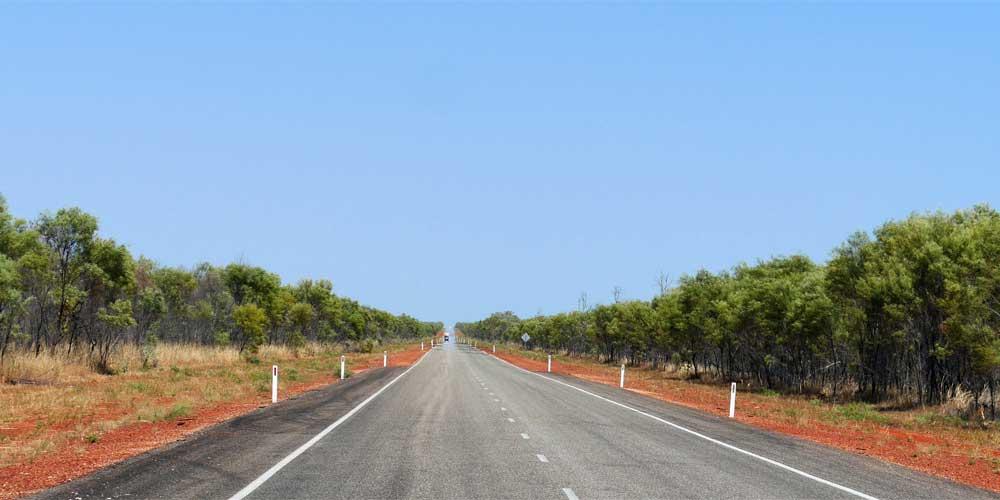 Schnurrgerade Landstraße in Australien