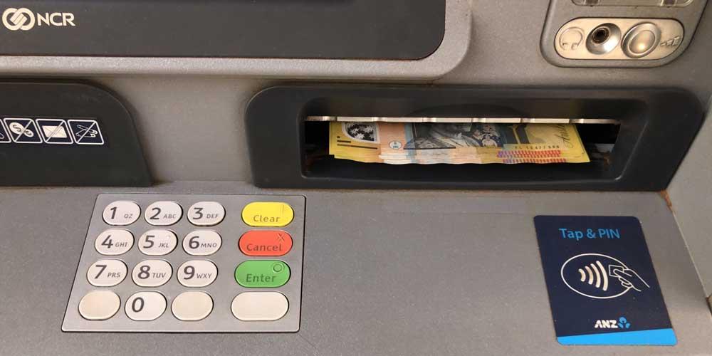 Geldautomat mit australischen Banknoten