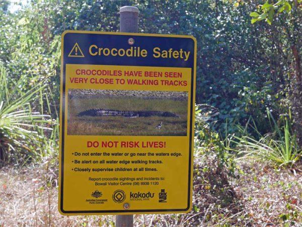 Warnschild im Kakadu Nationalpark
