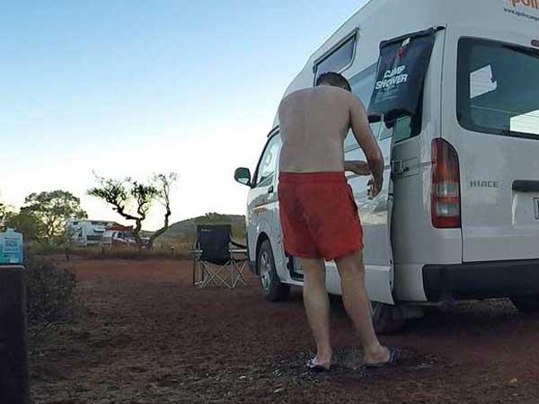 Outdoor Dusche im Einsatz in Australien