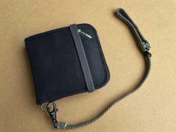 Geldbörse RFIDsafe V100 von Pacsafe