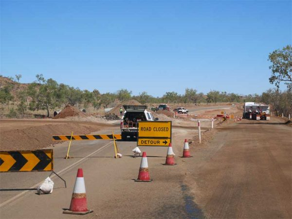 Straße mit Umleitung in Australien