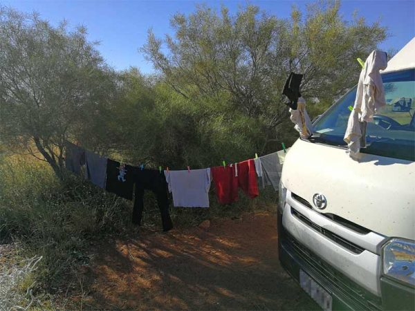 Wäsche beim trocknen auf australischen Campingplatz