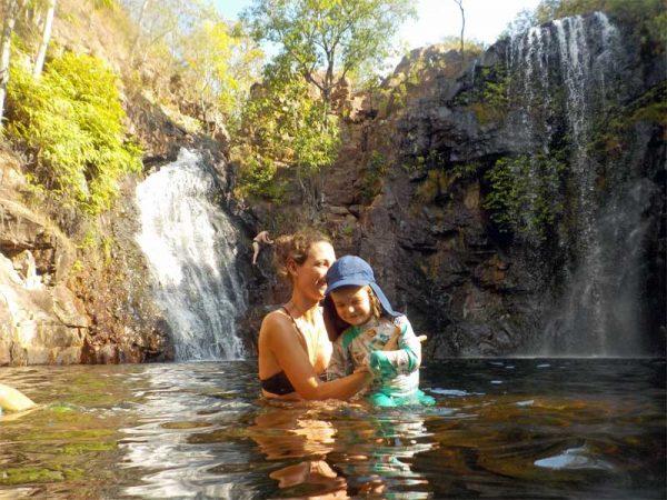 Baden in den Pools der Florence Falls im Litchfield Nationalpark