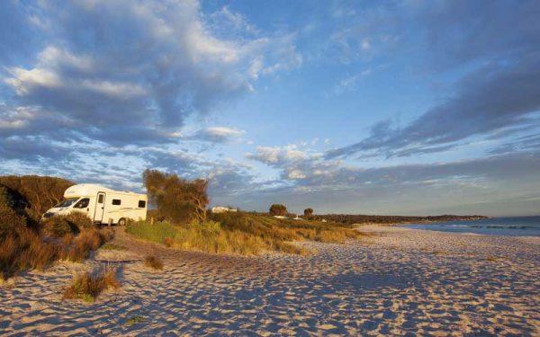 Wohnmobil am Strand in Australien
