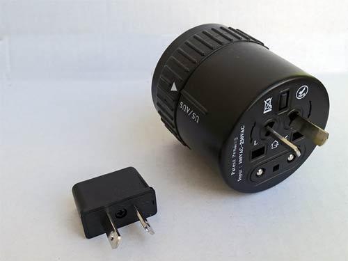Vergleich von Kombi-Adapter und einem Solo-Adapter für australische Steckdosen