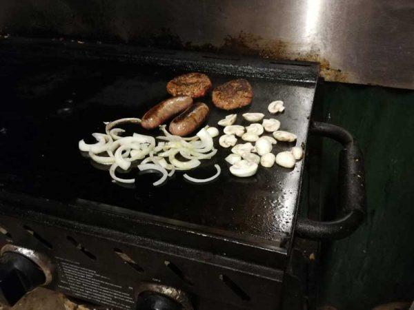 Barbecue auf dem Campingplatz