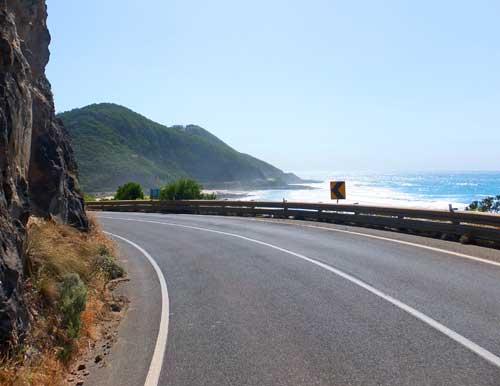 Straße in Australien an der Küste