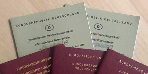 Reisepässe und internationale Führerscheine