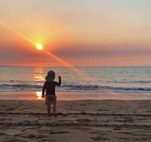 Jona am Mindl Beach in Darwin Australien