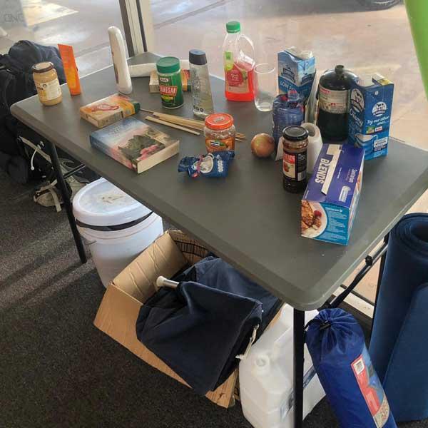 """""""Free Stuff"""" Box in einer Camper Niederlassung"""
