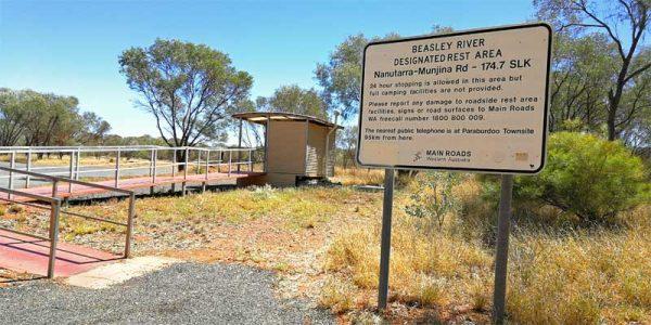 Rest Area in Australien auf der 24 Std. gestanden werden darf