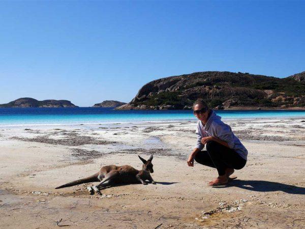 Saskia an der Lucky Bay in Australien