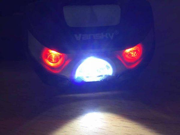Weiße und rote LEDs können einzeln geschaltet werden