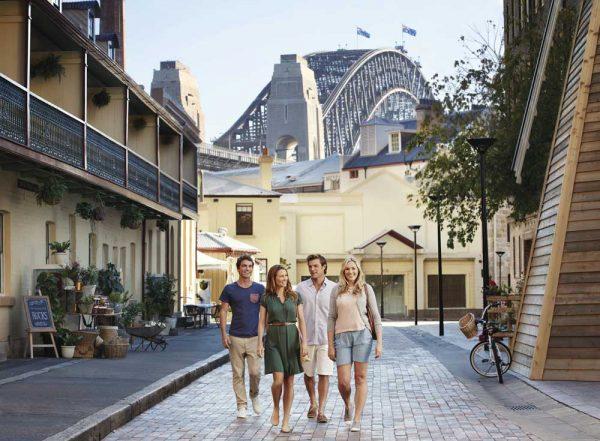 The Rocks vor der Sydney Harbour Bridge