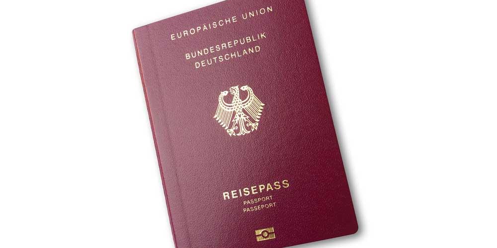 Deutscher biometrischer Reisepass mit Chip