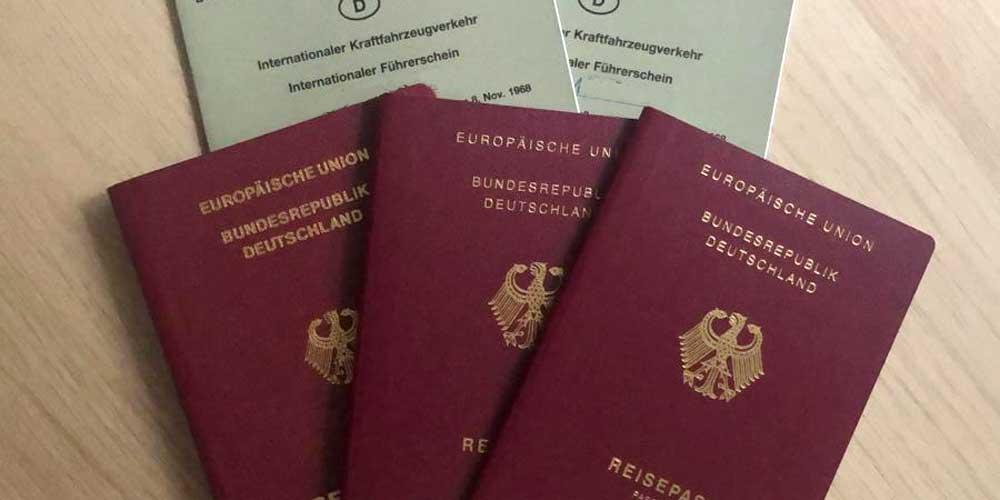 Internationaler Führerschein und Reisepass